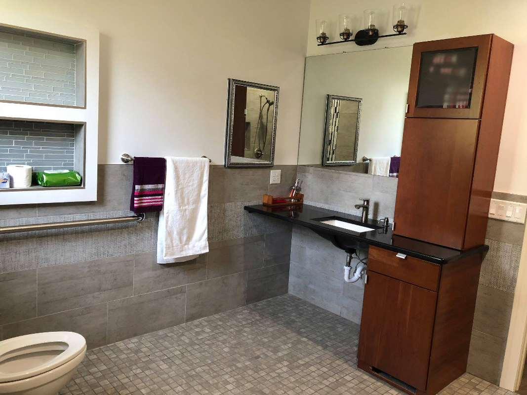 waltz manor bathroom 2